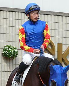 吉田隼人騎手、右胸鎖関節捻挫…