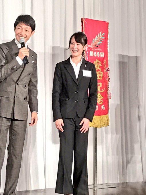 社台のパーティーに出席した武豊騎手と藤田菜七子騎手が絵になり過ぎると話題に!