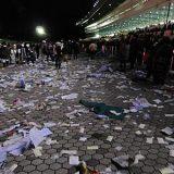 競馬場のゴミ