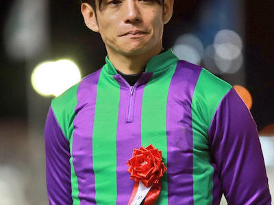 浜中俊騎手、アイアンテーラーの表彰式で涙…若手騎手のメンタルがそこまでヤバいのか
